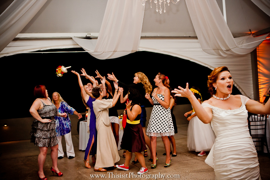bouquet toss hollister weddings