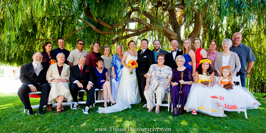 formal family wedding photo in Leal vineyards wedding venue